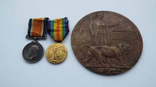 Pair and Plaque to 20286 Pte J W Preece  Lan Fus / Feuchy Chapel British Ce