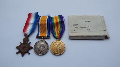 1914/15 Trio to 94622 GNR C A Gordon RFA  / Kemmel Chateau Military Cemeter