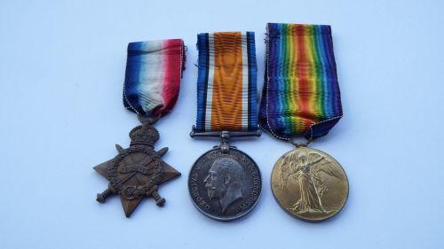 1914/15 Trio to 16660 Pte J Hicks Northd Fus / Sarigol cemetery
