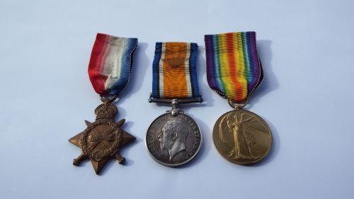Casualty 1914/15 Trio to 2473 Pte C W Gurney Rif Brig