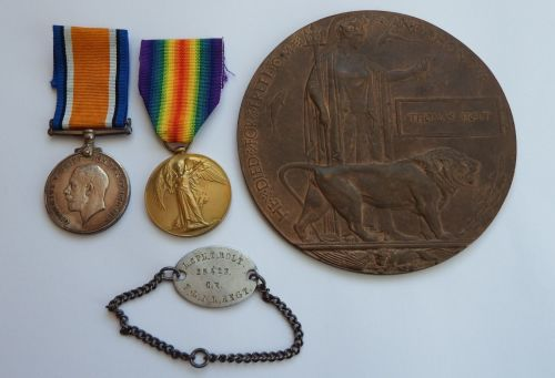 Pair and Plaque to 25423 Pte T Holt L N Lanc R