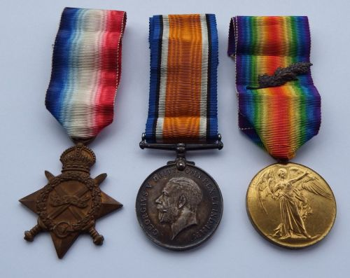 Outstanding 1914/15 Trio with to CH18302 Pte F W Hoath RMLI / entered into