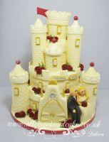magenta rose castle cake