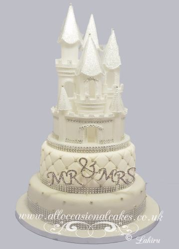 white castle with diamonds wedding cake