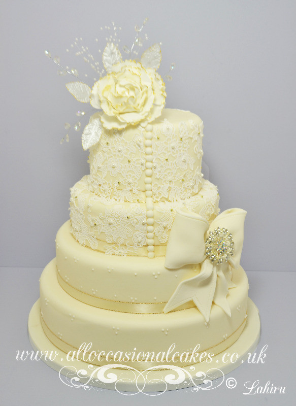 lace wedding dress cake