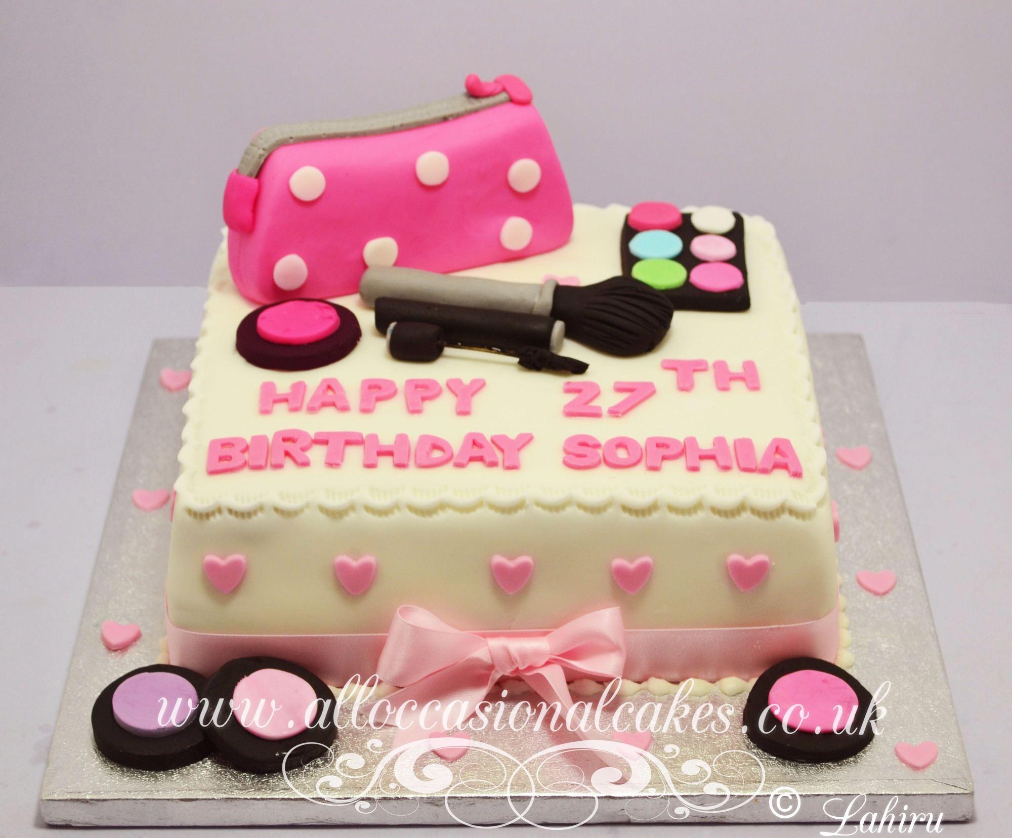 pink makeup bag cake £55