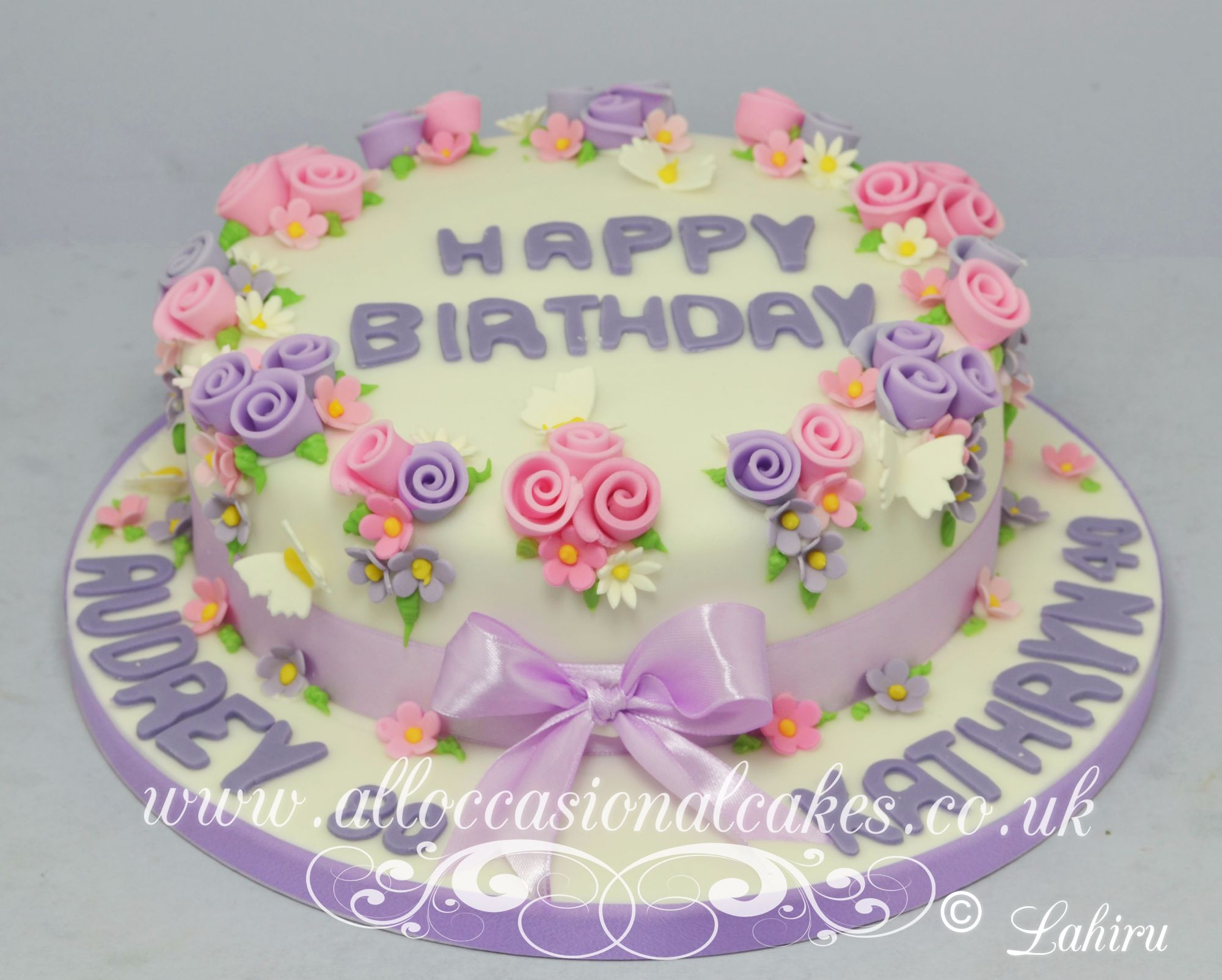 flower ring birthday cake
