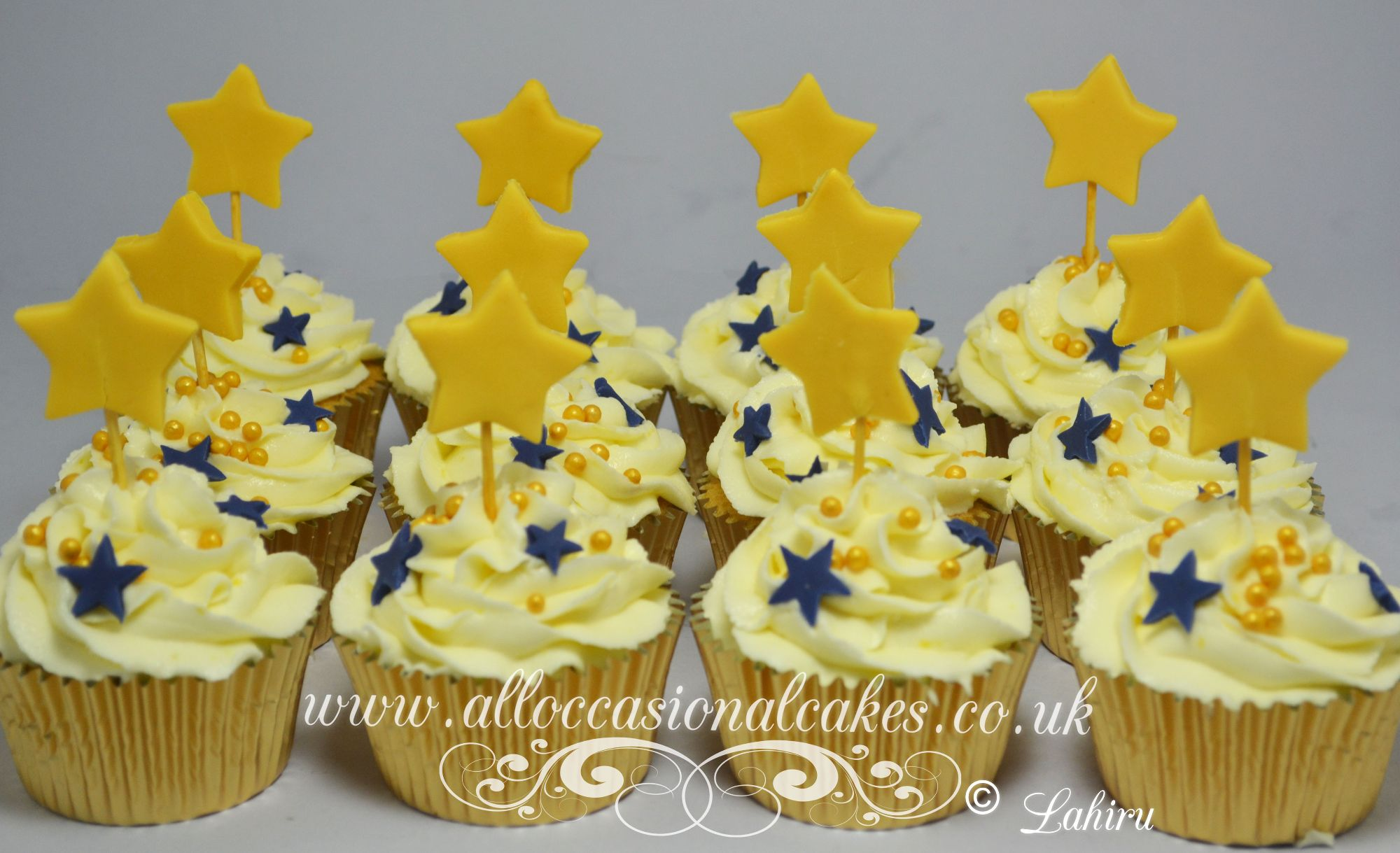 cupcakes with stars