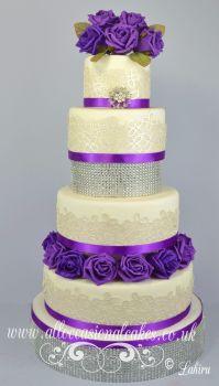 """Isabella classic wedding cake £ 465 (4""""6"""" 8"""" 10"""")"""