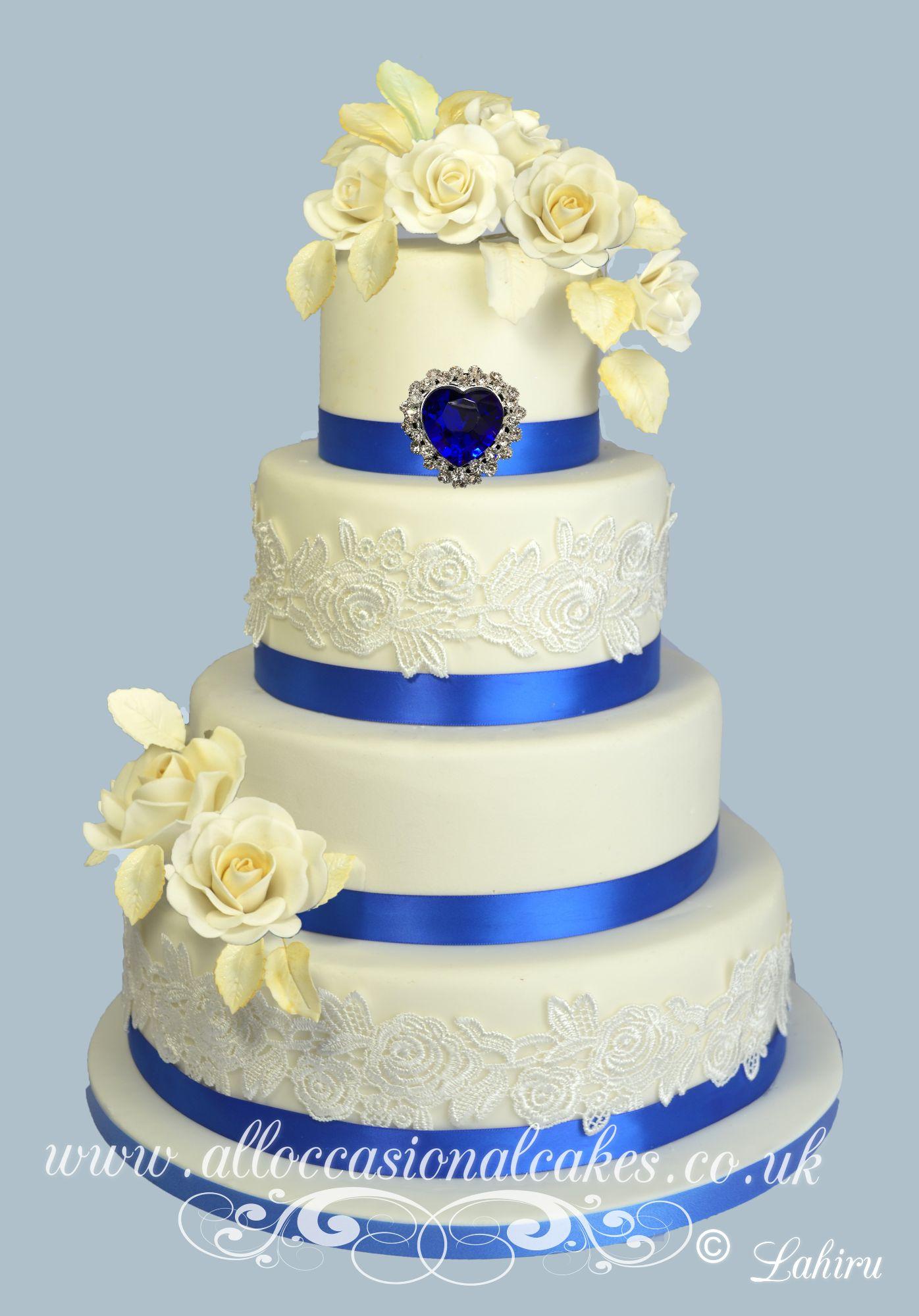 Royal blue brooch wedding cake