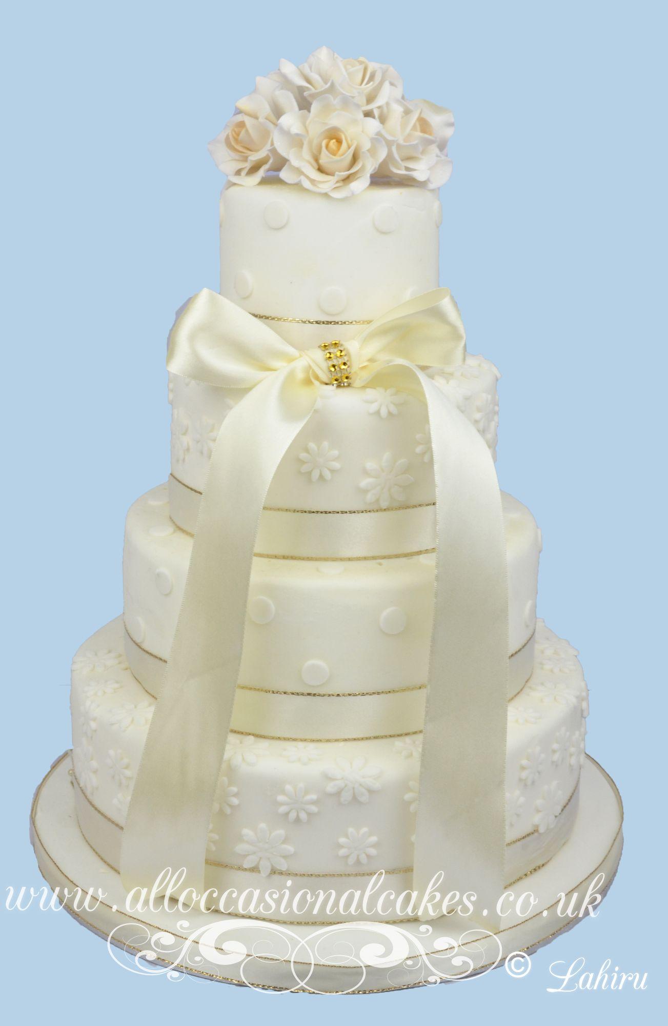 ivory classic wedding cake