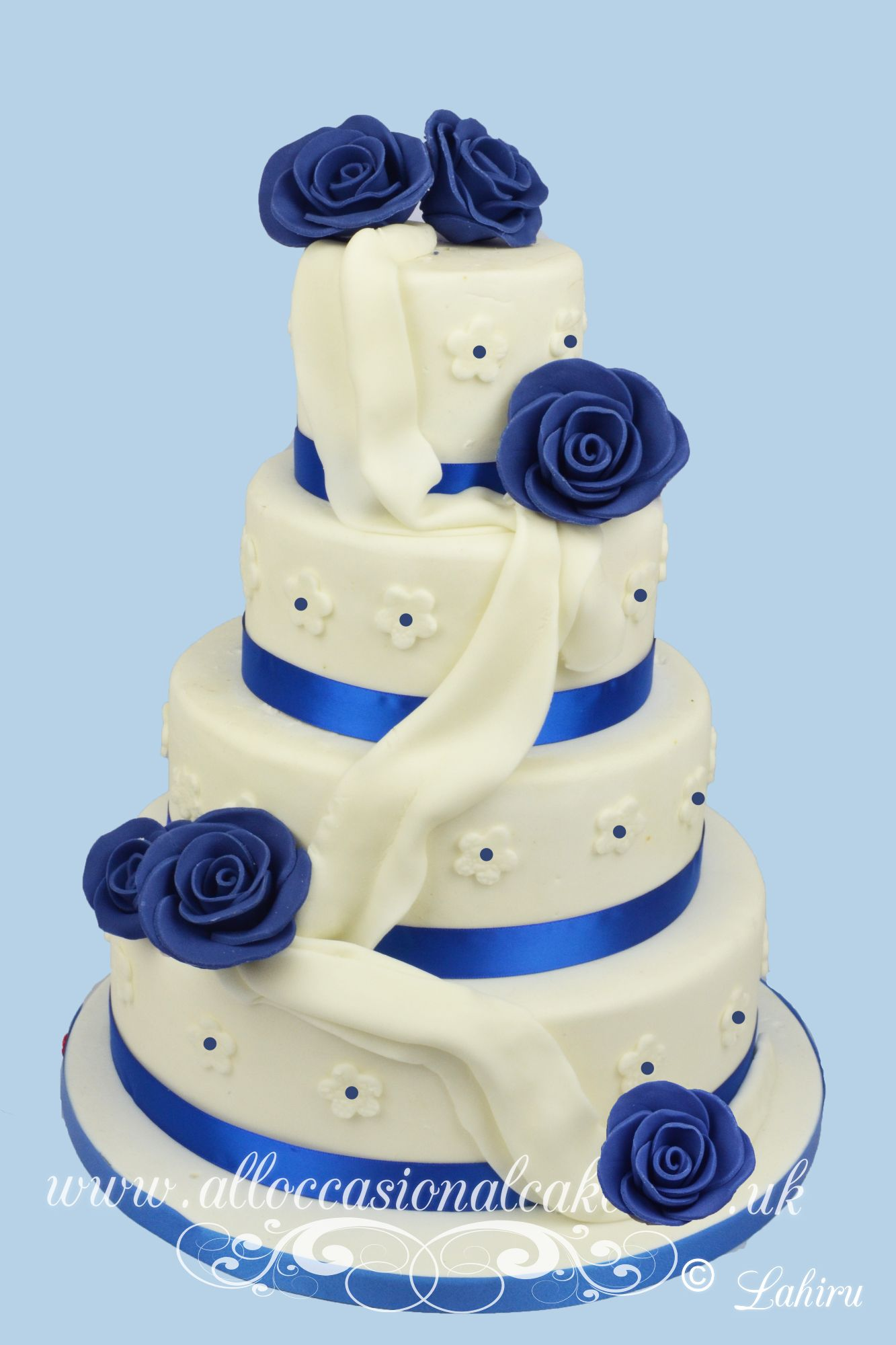 navy blue roses wedding cake