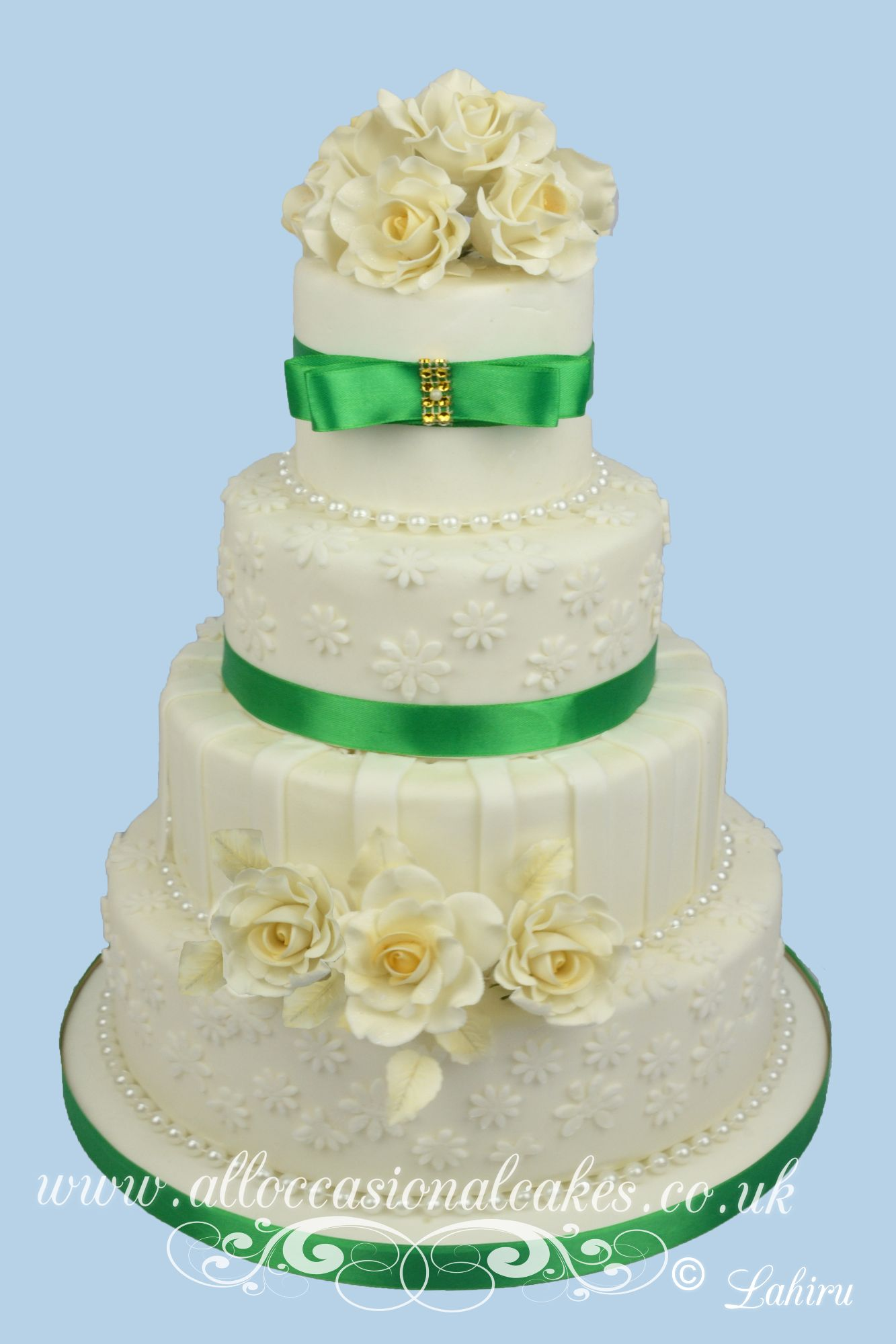 green shade wedding cake