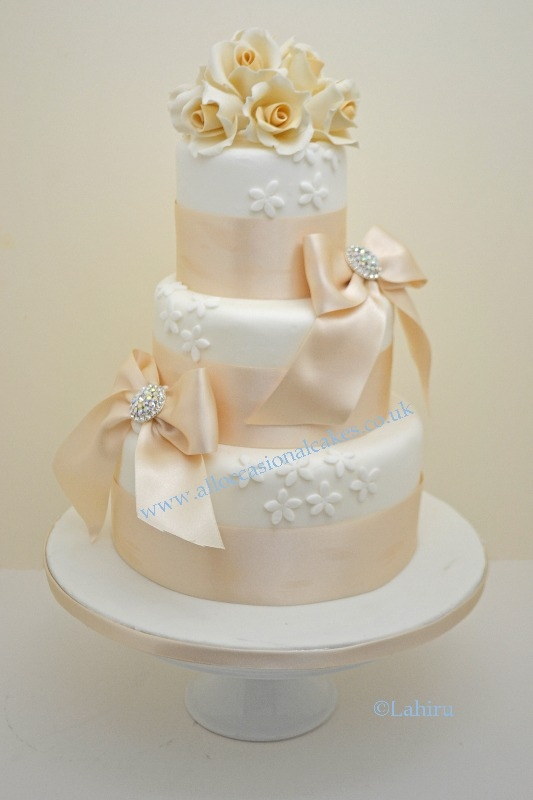 champagne colour  wedding cake