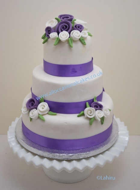 Lilac and White Rose Wedding Cake, professional wedding cake makers ...