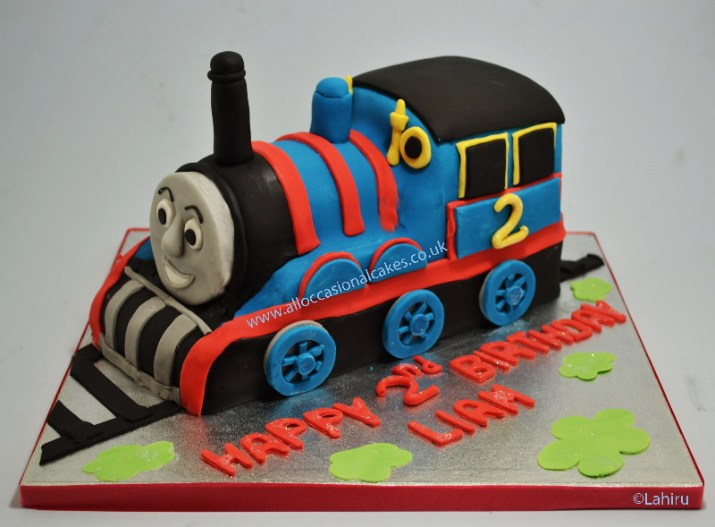 thomas the train engine theme birthday cake