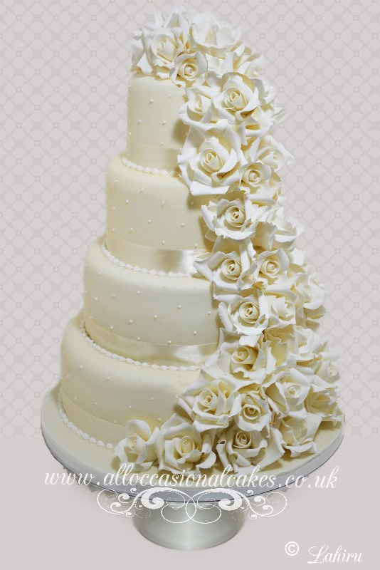 traditional rose cascade wedding cake