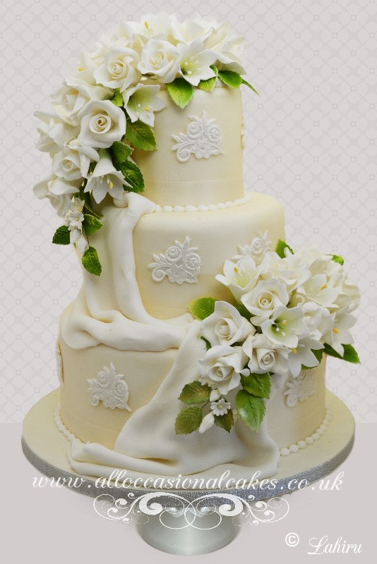 Luxury Flower Spray Wedding Cake