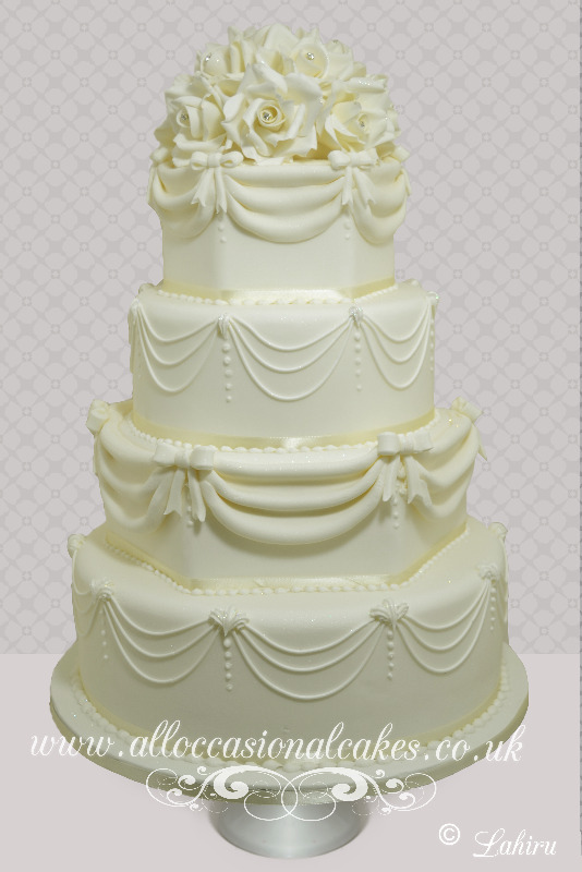 Vintage Sugar Piping Wedding Cake