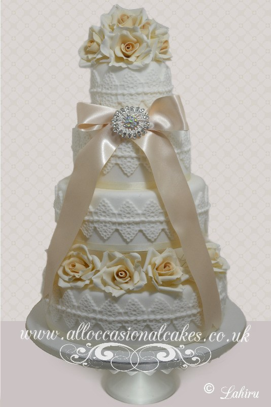 Champagne Coloured Sugar Rose Wedding Cake