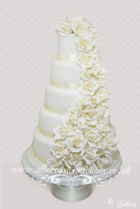 ivory rose cascade- 5 tier