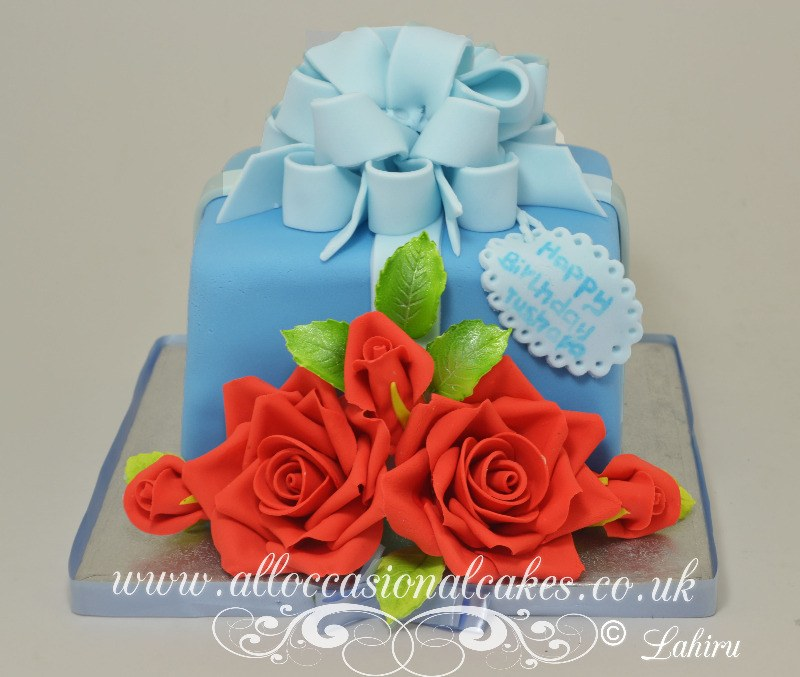 red rose parcel birthday cake for women
