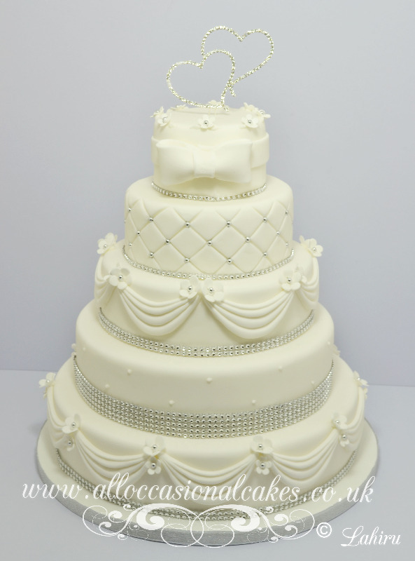diamond lace wedding cake 5 tire £ 465