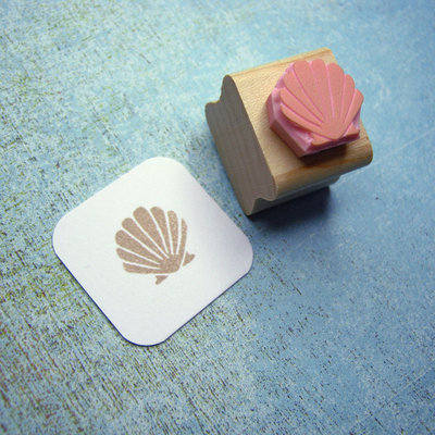 Tiny Clam Shell Hand Carved Rubber Stamp