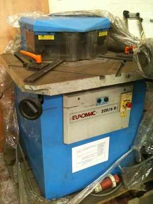 Euromac 220/6R Variable angle corner notcher