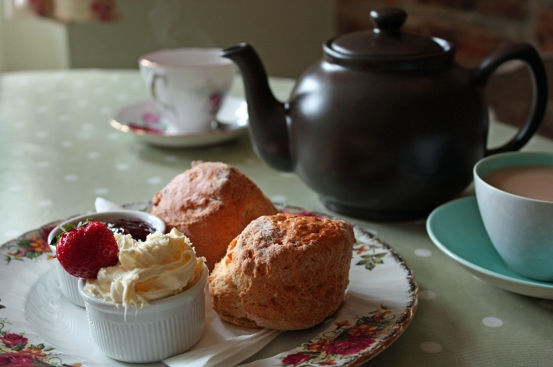 cream tea and cups