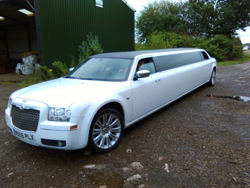 Chrysler Baby Bentley 8 seat Limo