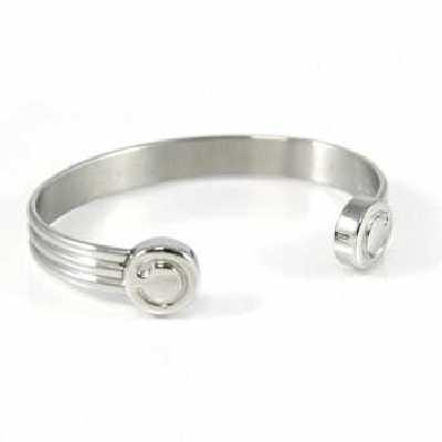 Magnotherapy bracelets for men and women