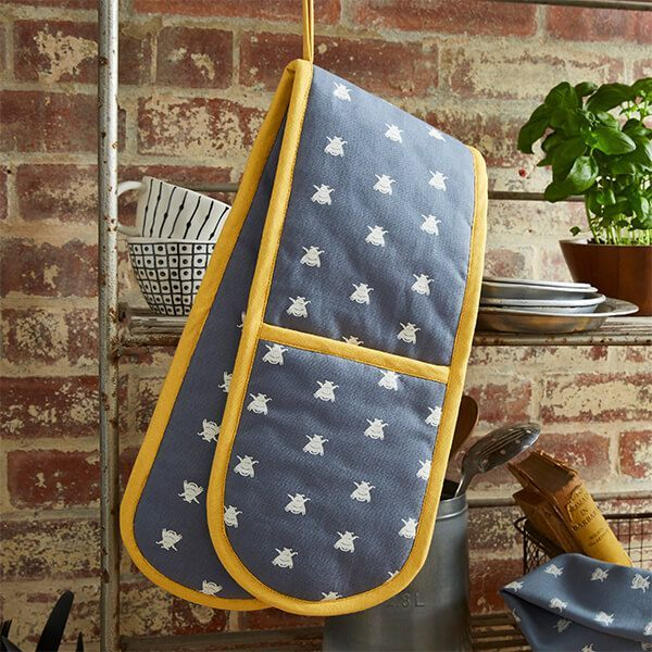 ULSTER WEAVERS ~ BEE'S ~ DOUBLE OVEN GLOVE