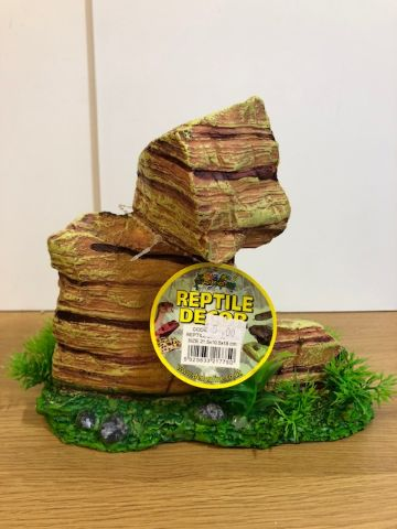 Reptile rock decor