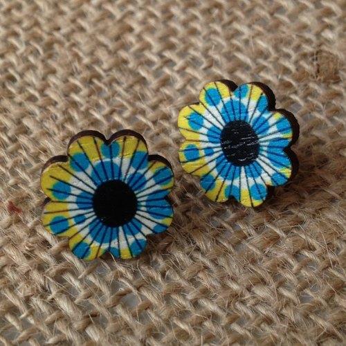 Wooden earrings yellow flower