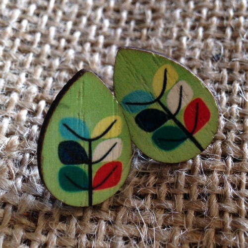 Leaf Design Wooden Studs