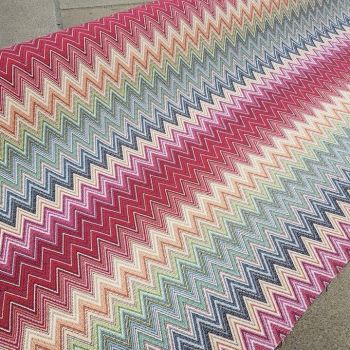 New World Tapestry Zigzag