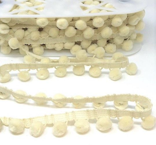 Pom-Poms Trim 28mm Cream