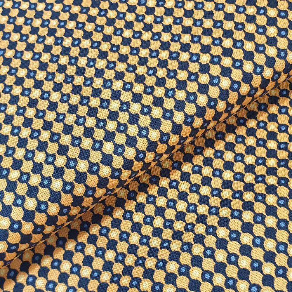 Makower Cotton Fabric Midnight Haunt Clamshells Black