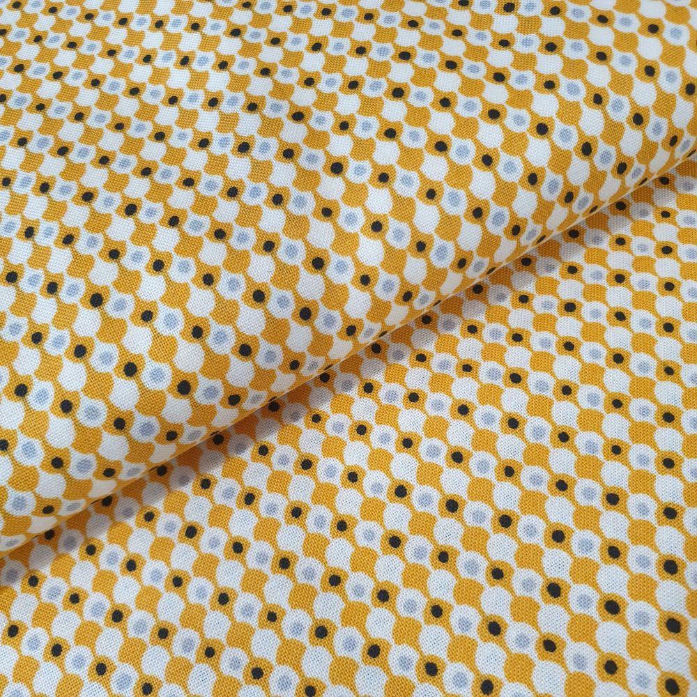 Makower Cotton Fabric Midnight Haunt Clamshells Orange