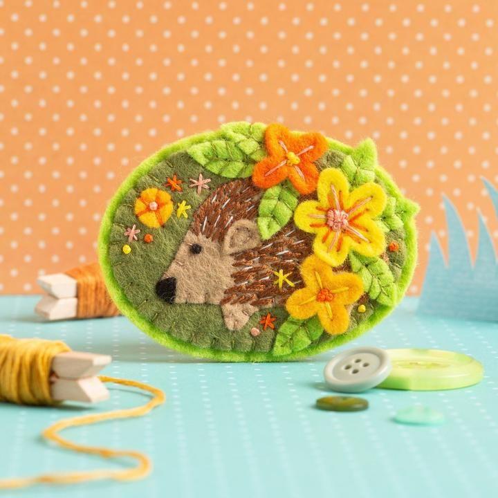 Hedgehog Felt Craft Brooch Kit Hawthorn Handmade