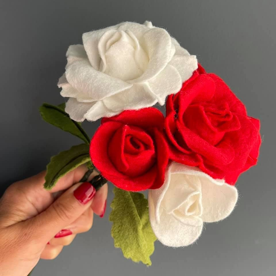 Crafty Kit Felt Roses
