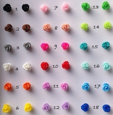 Flower stud earrings 0.7mm