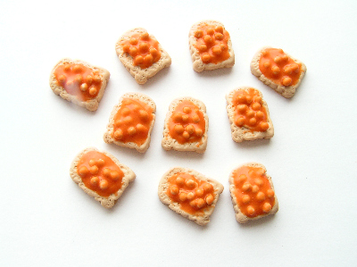 Fimo Beans On Toast Charms Pk 10