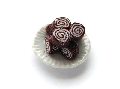 Chocolate Swiss Roll on a Plate Pk 1