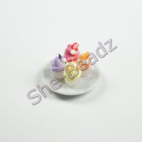 Minature Cup Cakes on a Plate Pk 1