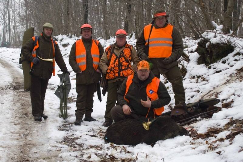 Alex Hinkins, french boar shooting with team from Deer Stalking in England
