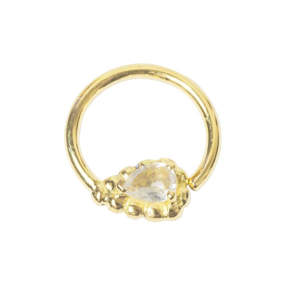 Ashru, 18 carat yellow gold seam ring with white sapphire