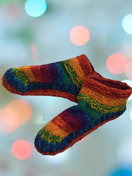 Snuggly rainbow knitted fleece lined slipper socks 4-7/8