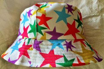 Seeing stars  bucket hat